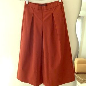 ☀️ Zara wide leg crop culottes in rust color
